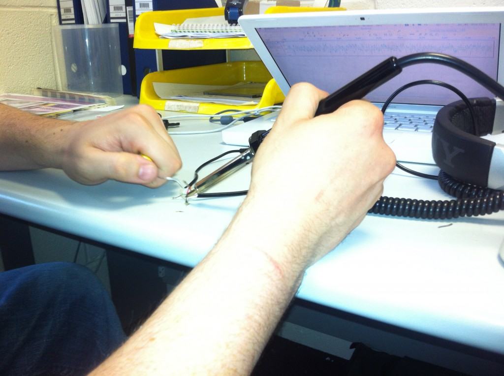 soldering Sony MDR v700 cut wires